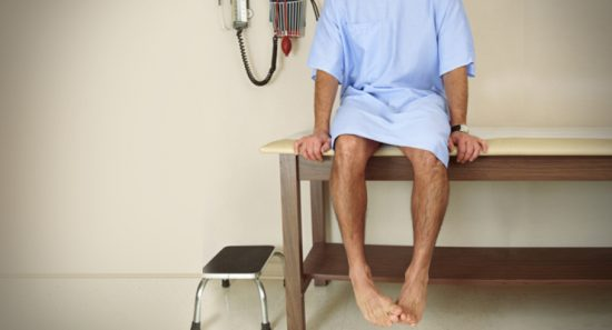 Es posible que sea necesario extirpar un testículo que no ha descendido y que se detecte posteriormente en la vida.